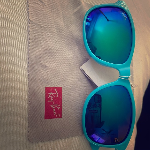 Light blue Ray Ban Ray Bans mirror sunglasses